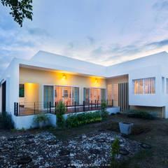 Kleine huizen door Q-Con Home, Minimalistisch