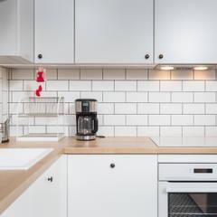 مطبخ ذو قطع مدمجة تنفيذ Och_Ach_Concept , إسكندينافي
