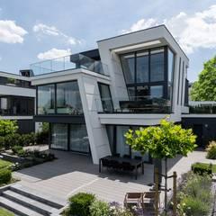 Oleh Avantecture GmbH Modern