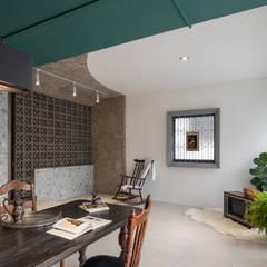 Salas de estilo asiático de 漢玥室內設計 Asiático Compuestos de madera y plástico