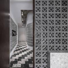 راهرو سبک آسیایی، راهرو و پله ها توسط 漢玥室內設計 آسیایی سیمان