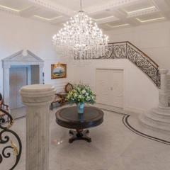 Mediterranean style corridor, hallway and stairs by Inan AYDOGAN /IA Interior Design Office Mediterranean سنگ مرمر