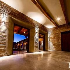 Classic event venues by JAO ARQUITECTOS Classic Bricks