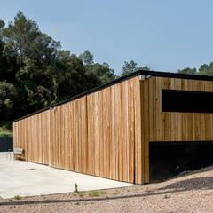 by Esteve Arquitectes Scandinavian Solid Wood Multicolored