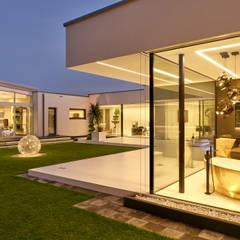 Puertas y ventanas minimalistas de Lebsack und Söhne GmbH Minimalista