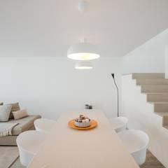 Casa Argivai Salas de jantar minimalistas por Raulino Silva Arquitecto Unip. Lda Minimalista
