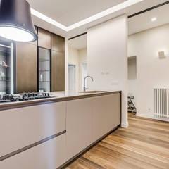 VERBANO HOME DESIGN Cucina moderna di EF_Archidesign Moderno
