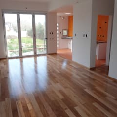 Vivienda Unifamiliar en Villa Elisa Comedores modernos de Mc Govern estudio de arquitectura Moderno Concreto reforzado