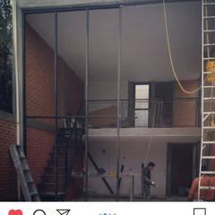توسط Arquitectos Delgado صنعتی آلمینیوم