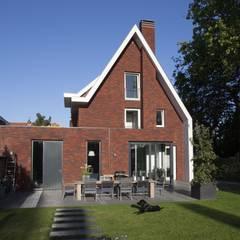 Kavel 52 Oranjeburgh, Schiedam van Thijssen Verheijden Architecture & Management Modern Stenen