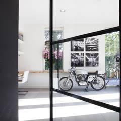 Kavel 52 Oranjeburgh, Schiedam Moderne gangen, hallen & trappenhuizen van Thijssen Verheijden Architecture & Management Modern IJzer / Staal