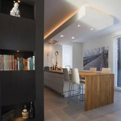 Kavel 52 Oranjeburgh, Schiedam Moderne keukens van Thijssen Verheijden Architecture & Management Modern