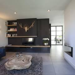 Kavel 52 Oranjeburgh, Schiedam Moderne woonkamers van Thijssen Verheijden Architecture & Management Modern Tegels
