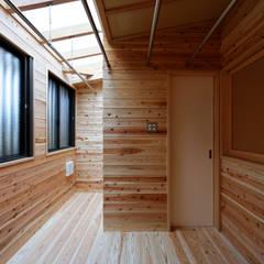 Scandinavian style conservatory by 山道勉建築 Scandinavian Wood Wood effect