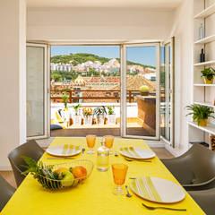 Mediterranean style dining room by Sezam disseny d'Interiors SL Mediterranean