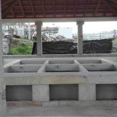 Construção em Geral Varandas, marquises e terraços clássicas por Pedro Nogueira Gonçalves Construções Clássico Granito
