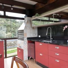 Casa Campo Alegre - Santa Catarina Cozinhas campestres por Larissa Minatti Interiores Campestre