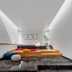 Ruang Media Gaya Eklektik Oleh M9 Design Studio Eklektik