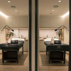 Scandinavian style clinics by Alba Interiorisme Scandinavian