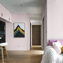 Paredes y pisos escandinavos de 築室室內設計 Escandinavo