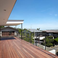 Modern terrace by 株式会社小島真知建築設計事務所 / Masatomo Kojima Architects Modern