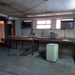 インダストリアルな医療機関 の Faerman Stands y Asoc S.R.L. - Arquitectos - Rosario インダストリアル