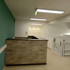 من Faerman Stands y Asoc S.R.L. - Arquitectos - Rosario صناعي