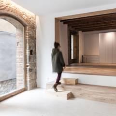 Estudios y oficinas rústicas de lluerna arquitectura SCCL Rústico