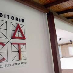 Modern event venues by OMAR SEIJAS, ARQUITECTO Modern