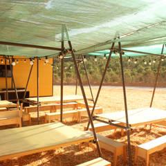 Jardines industriales de Colectivo Warehouse Industrial Contrachapado