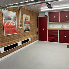 This Kent garage now has the WOW factor od Garageflex Nowoczesny