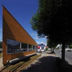 توسط ピークスタジオ一級建築士事務所 اکلکتیک (ادغامی)