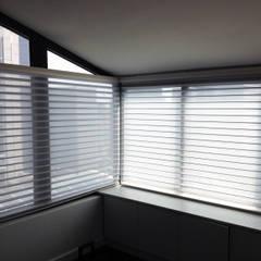 by Persam persianas y cortinas Modern