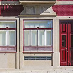 by José Melo Ferreira, Arquitecto Classic ٹھوس لکڑی Multicolored