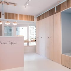 Minimalist Showroom Interior Renovation Sai Ying Pun Hong Kong by S.Lo Studio Minimalist Plywood