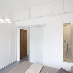 Modern style bedroom by GruppoTre Architetti Modern