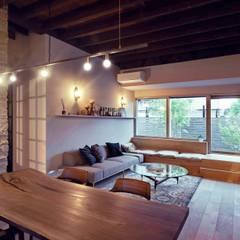 توسط Mimasis Design/ミメイシス デザイン راستیک (روستایی) چوب Wood effect