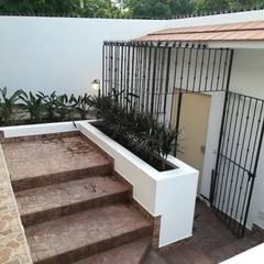 Rustic style corridor, hallway & stairs by JAMBA ARQUITECTOS Rustic اینٹوں