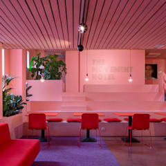 The Movement Hotel, Bijlmer Bajes Amsterdam Moderne hotels van ÈMCÉ interior architecture Modern