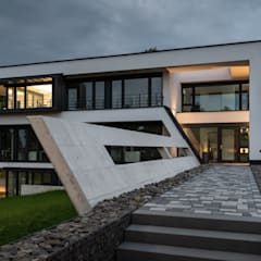Modern office buildings by Avantecture GmbH Modern