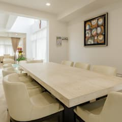 Bungalow design Modern dining room by Make My Nest Modern Marble