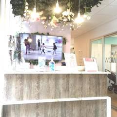 DE LEON PRO Kantor & Toko Modern Kayu Pink