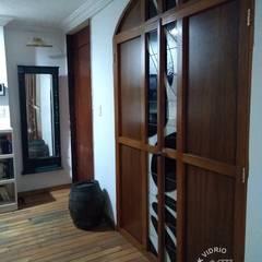 Puertas mueble MKVidrio Salas de entretenimiento de estilo clásico Vidrio Beige