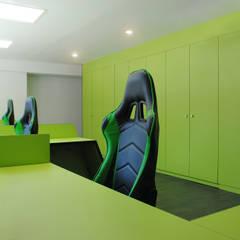 MANUEL TORRES DESIGN Locaux commerciaux & Magasins Vert