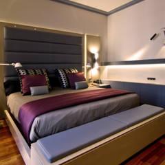 Vivienda de Estilo Neoclásico en la calle Caspe de Barcelona MANUEL TORRES DESIGN Dormitorios de estilo moderno