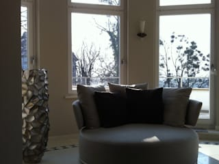 Modern Living Room by ESVITALE GmbH Modern