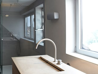 Baños de estilo moderno de Raumgespür Innenarchitektur Design