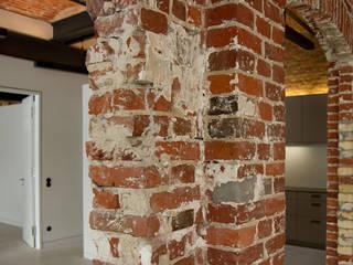 Projekty,  Korytarz, przedpokój zaprojektowane przez designyougo - architects and designers