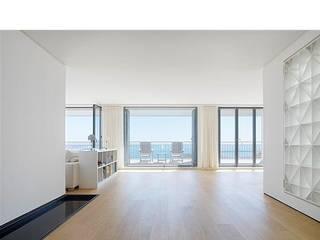 Gerber GmbH Ingresso, Corridoio & Scale in stile moderno
