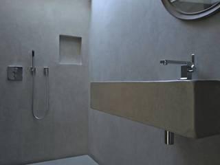 Bathroom by Fugenlose  mineralische Böden und Wände , Industrial